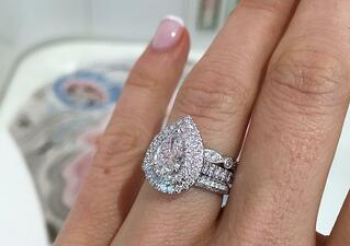 WHICH ENGAGEMENT RING SHAPE 4e.jpg