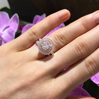 Matthew_Ely_Brilliant_Cut_Argyle_White_Pink_Diamond_Ring.jpg