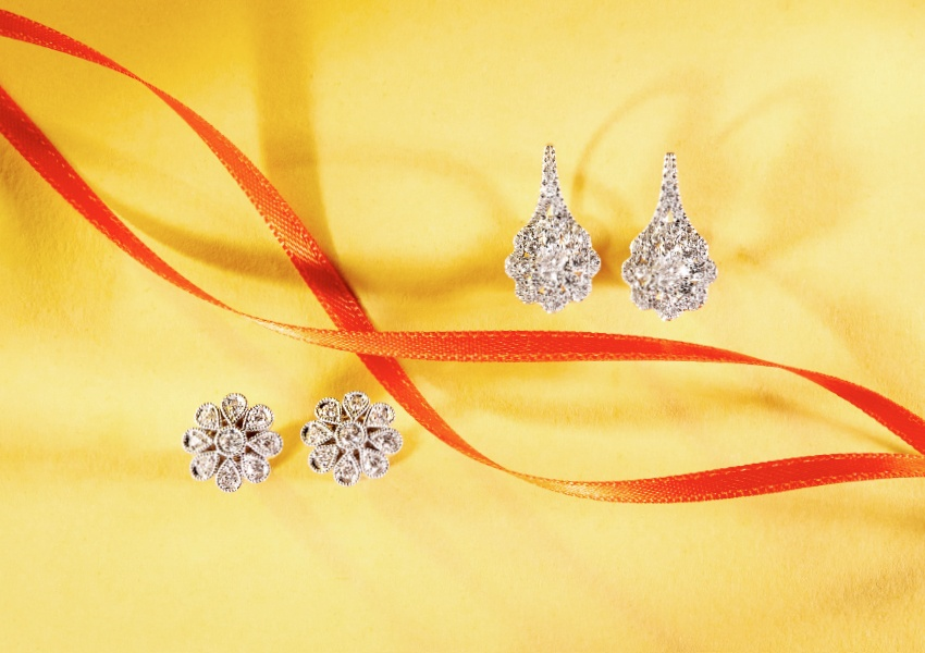 Matthew_Ely_Diamond_Flower_Designed_Earrings.jpg